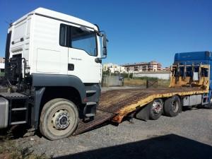 TRansporte de maquinaria. Servicio de asistencia de vehiculos